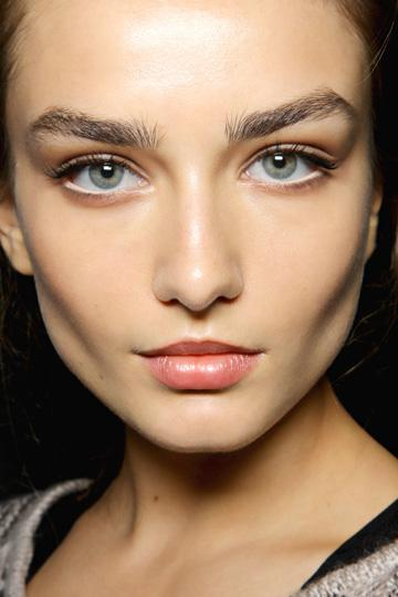 White Eyeliner To The Rescue! | Your Style Journey