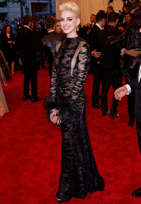 Met ball 2013: Anne Hathaway