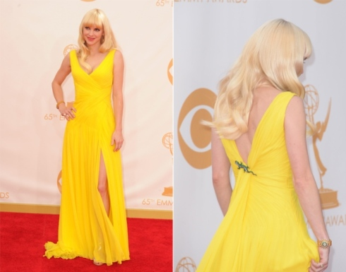 Anna Faris in Monique Lhuillier
